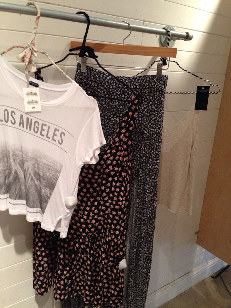 Brandy Melville and @FOREVER™™ 21, why can't you come to Australia! @Forever 21 @Brandy Melville