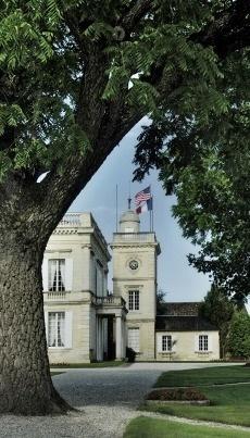 Château Gruaud Larose, Grand cru Classé de Saint Julien, France. Au coeur de la rive gauche, une demeure remarquable et des vins tout en finesse.