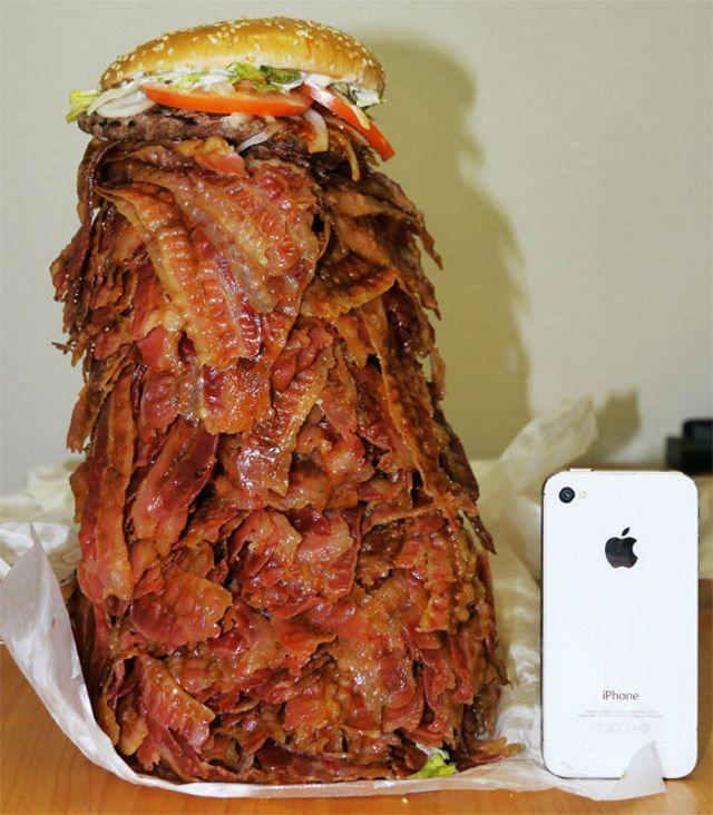 1050 Bacon Slice Burger: Iphone 4S, Sandwiches, Heart, Funny Food Art, Bacon Cheeseburgers, Batman, Bacon Burgers, Food Photos, Burgers King