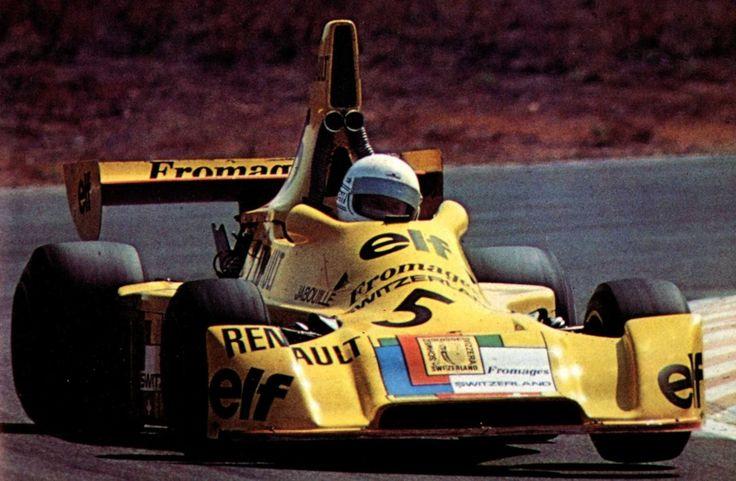 Jean-Pierre Jabouille - Elf 2J Renault - Équipe Elf Switzerland - II Grande Premio do Estoril 1975 - In this picture Jabouille wears Arnoux's Helmet