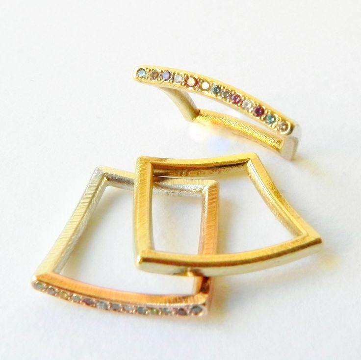 My pagodarings with treated colourdiamonds .