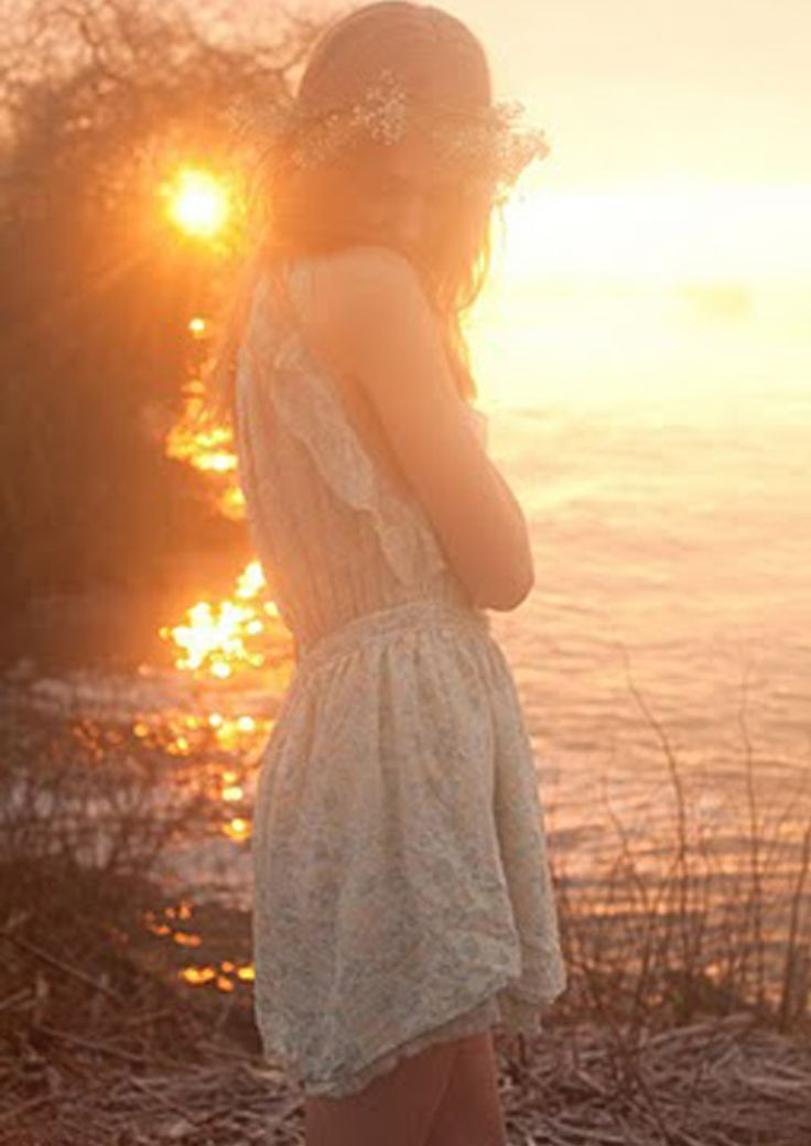 : Lights, Summer Outfit, Hippie Style, Sunsets, Dresses, White Lace, Lace Flower, Floral Crowns, Flower Hair