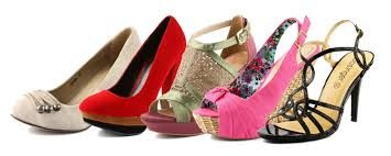 Si sueña con cambiar de zapatos, significa que está dispuesto a cambiar de papel o de comportamiento ante nuevos acontecimiento...