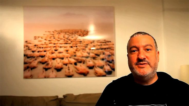 LAP - Spencer Tunick's video message (2013)