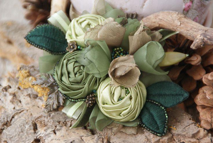 """Купить Брошь из ткани """"Лесная"""" - зеленый, оливковый, изумрудный, фисташковый, лесная сказка, хвойный"""