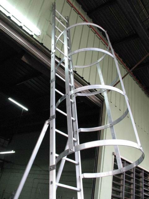 Alum Water Tank Ladder Safety Cage Water Tank Ladder