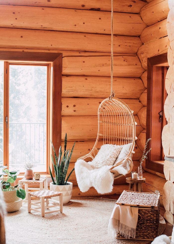 If Our Home Looked Like This Cozy Log Cabin, We'd Never Leave