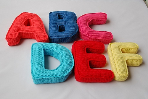 Crocheting Letters Tutorial : about Crochet Letters Pattern on Pinterest Crochet Letters, Letter ...