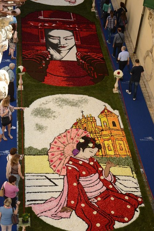 Head for Noto in time for Sicily's unrivalled flower festival - L'infiorata which runs every 3rd weekend in May makes for a great few days. The festival celebrates spring and welcomes the coming Sicilian summer.