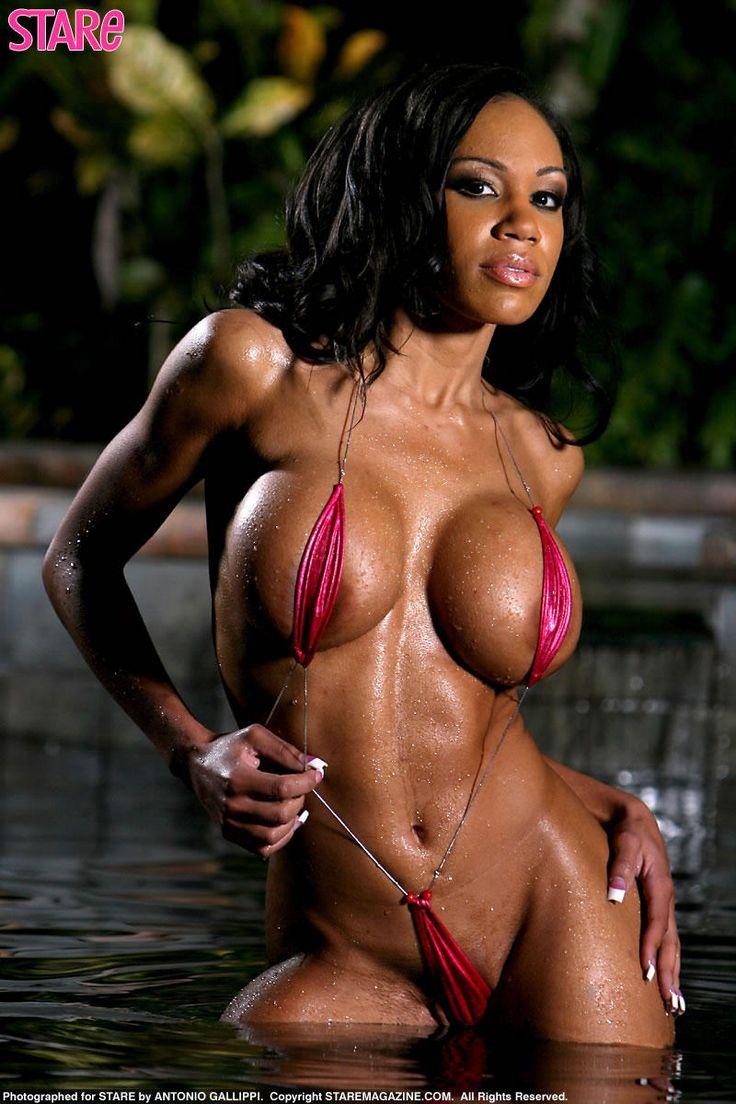 Goldie Coxx Model