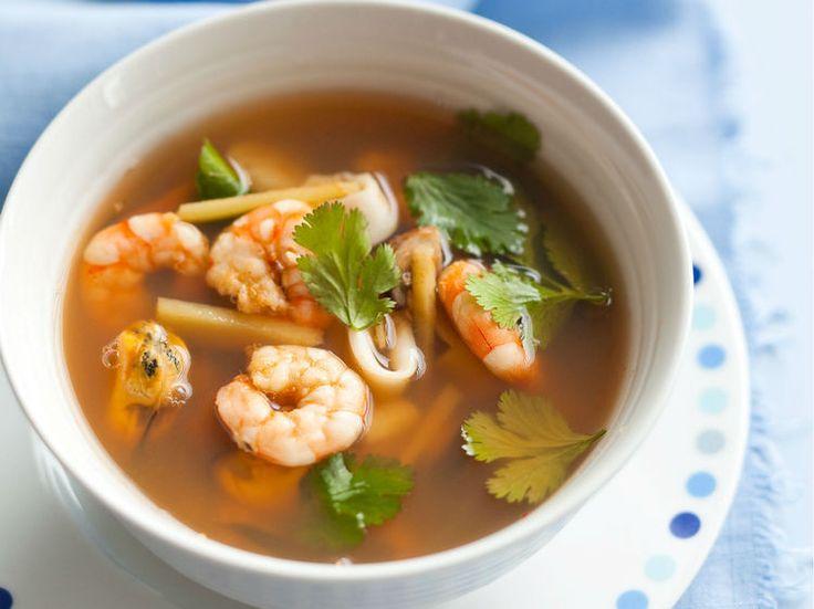 Avec les lectrices reporter de Femme Actuelle, découvrez les recettes de cuisine des internautes : Soupe Tom Yum aux fruits de mer