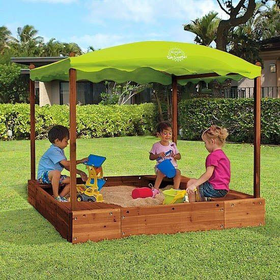 bezpieczny-plac-zabaw-dla-dzieci-piaskownica-w-ogrodzie.jpg (550×550)