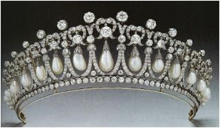 Tutorials : How to Make a Bead and Wire Tiara - The Beading Gem's Journal