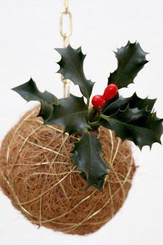 Kokedama med toner af jul. DIY