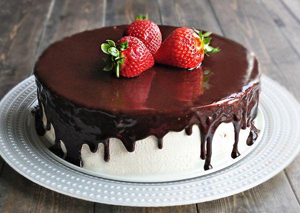 Картинки по запросу бисквитный торт с шоколадной глазурью