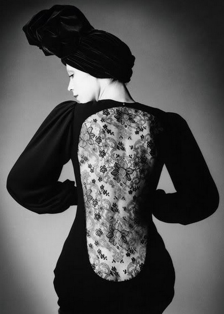 YSL, 1970. Marina Schiano photographed by Jeanloup Sieff for Vogue.