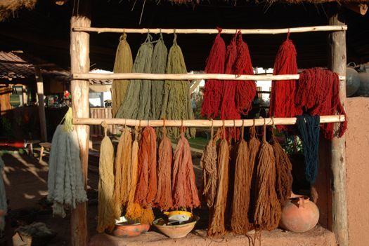 A long list of plants, flowers, fruit, veg and pulses that can be used for natural dyeing.
