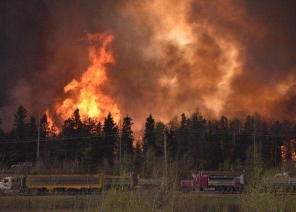 @KamilKaramali  May 4 The Alberta government has declared a provincial state of emergency. http://www.alberta.ca/release.cfm?xID=41701E7ECBE35-AD48-5793-1642C499FF0DE4CF … #ymmfire #FortMacFire