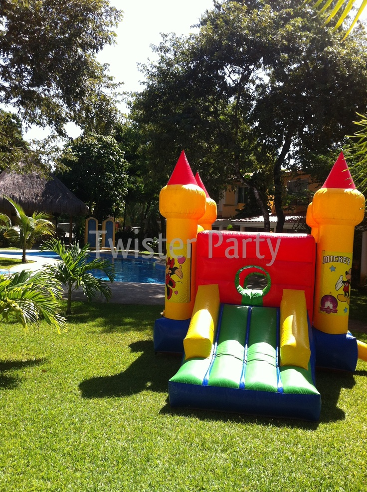 Castillo Twister Party