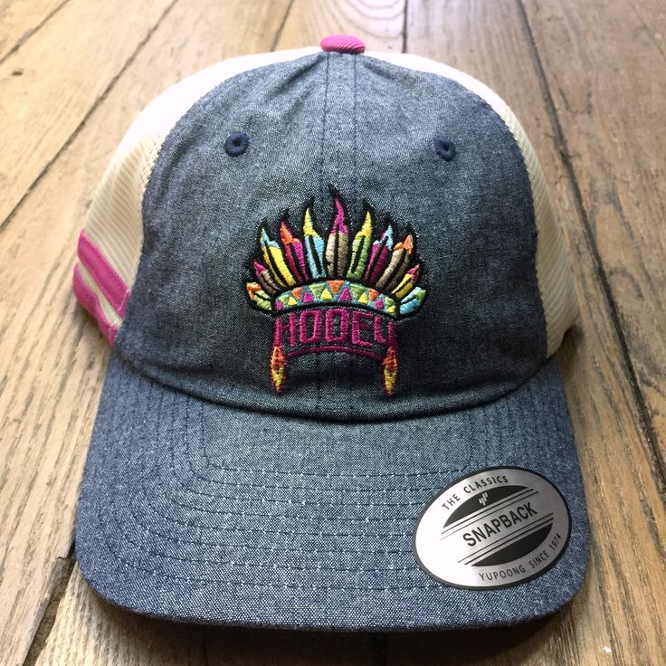 A cap from Hooey is what you need to show off your western edge and modern style. This Girls' Trucker Hat is made from a rugged but comfortable cotton/poly blend and features an unstructured crown and