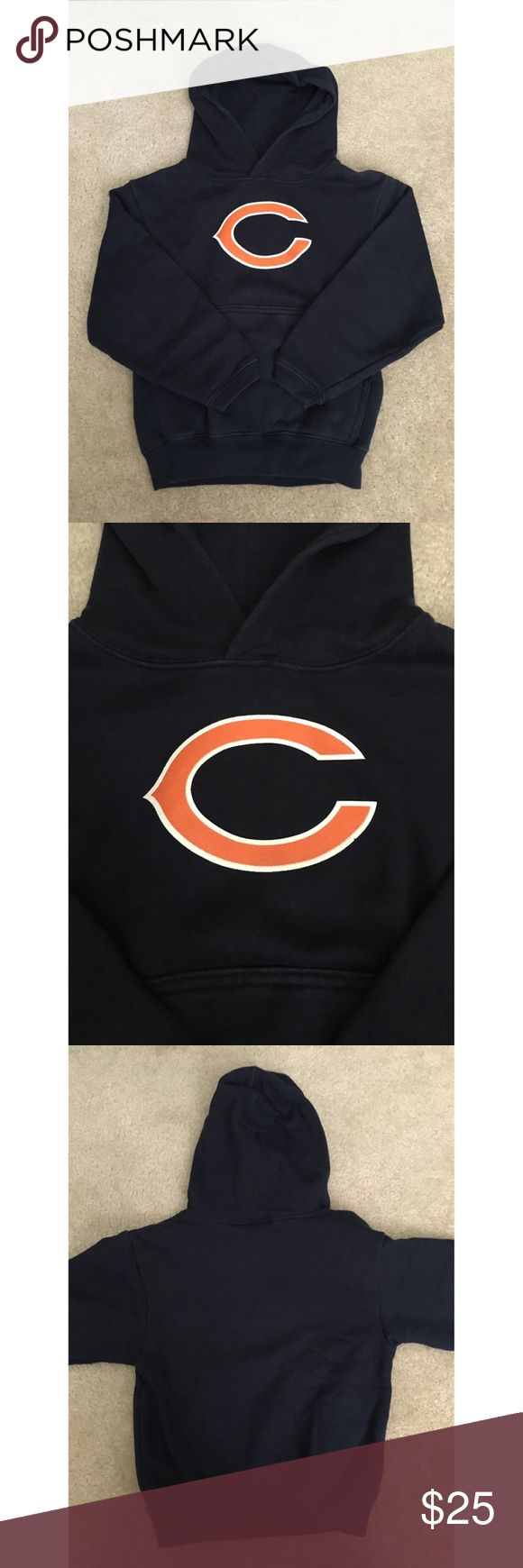 Boys Girls Unisex Reebok Chicago Bears Sweatshirt Gently worn. No holes or stains. Unisex for boys or girls Chicago Bears 🐻 hoodie sweatshirt size 5/6. This was given to my son from the Chicago Bears producer. Reebok Shirts & Tops Sweatshirts & Hoodies