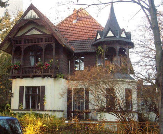 File:Villa Lichterfelde West.JPG