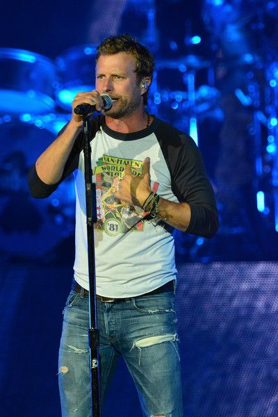Dierks Bentley Photos - Dierks Bentley in Concert - Camden, New Jersey - Zimbio
