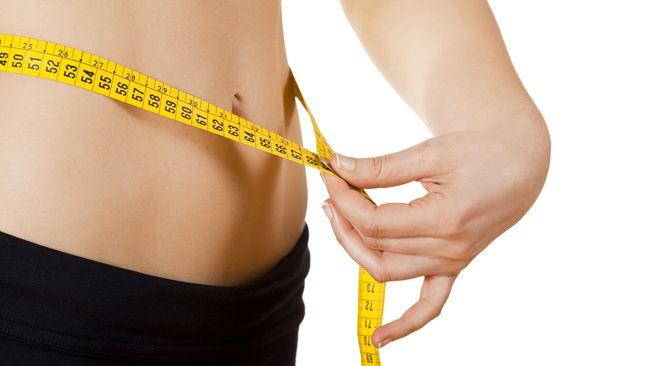 Una lista de cinco alimentos que te ayudarán a eliminar la grasa que tu cuerpo no necesita.