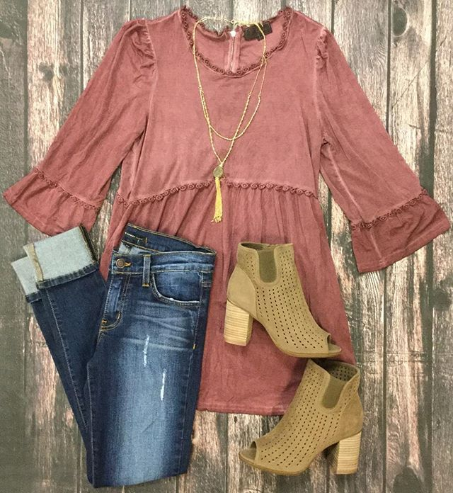 This is the perfect outfit to take you from summer to fall! Style your POL Clothing top with Flying Monkey jeans and cute ankle boots!