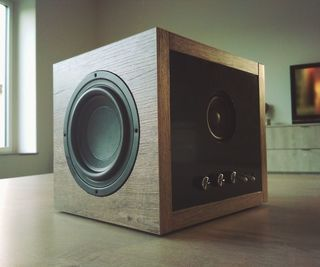 inventionhardware.com Easy Bluetooth Subwoofer Speaker (80W)