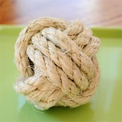 Learn how to tie the fabulous monkey fist knot.: Monkey'S Fist, Craft, Rope Balls, Monkey Knots, Rope Knots, Decorator Rope, Ropes, Monkey Fist Knot, Diy