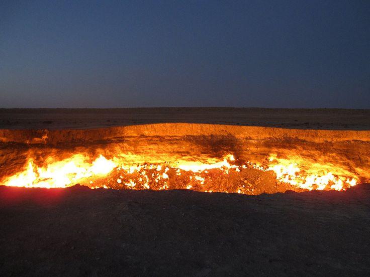 Hell's Gate (Turkmenistan) #Weltenbau #Worldbuilding #Inspiration (CC BY 2.0)  Stefan Krasowski/Flickr