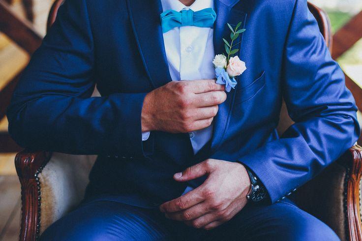 Утро жениха Алексея  #morninggroom #wedding #weddingday #groom #decoration #ideas #details #boys #costume #groomssuit #weddingphotograpy #butterflygroom #костюм #костюмжениха #бабочка #бабочкажениха #часы #свадьба #жених #утрожениха #свадебныйдень #бутоньерка