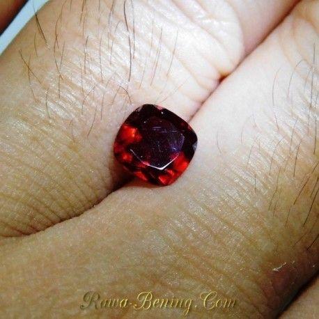 Garnet Merah Kotak 1.49 Carat untuk cincin semi exclusive