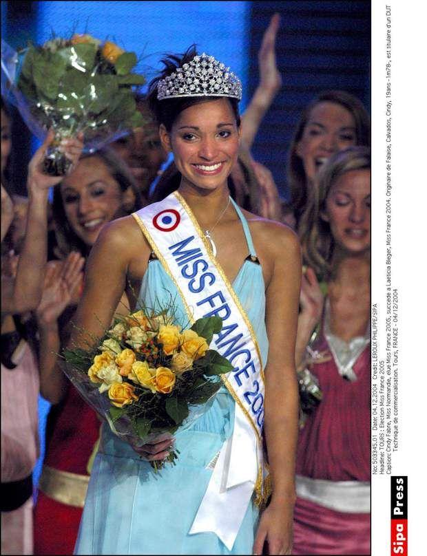 Miss France 2005, Cindy FabreUn an après avoir reçu la couronne Miss France Cindy Fabre s'est essayée à l'animation sur Cash TV, puis dans de nombreuses autres émissions, dont l'agenda du week end, juste avant le 20h de France 2. Devenue mamand'un petit garçon en 2012, elle a depuis ouvert un restaurant avec son compagnon, La Fabrik.