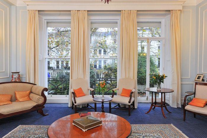 Impressive London Mansion wooden sash windows