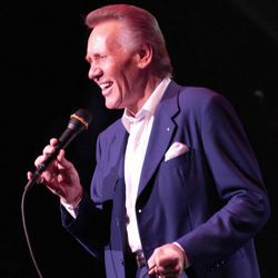 """BOBBY HATFIELD    Birth: Aug. 10, 1940  Death: Nov. 5, 2003    Rock Singer. A member along with Bill Medley, they formed the musical group, """"The Righteous Brothers."""