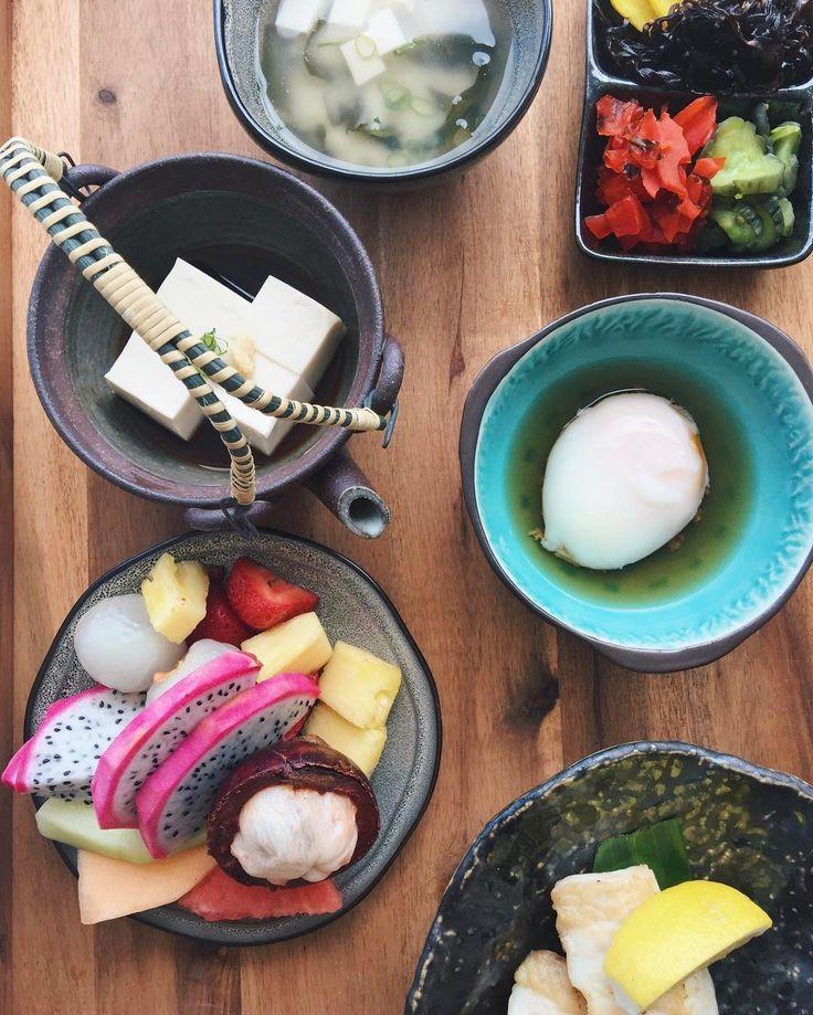 #wakeupwithfs to a Japanese-style breakfast  #ohaiyogozaimasu #roomservice #fsoahu