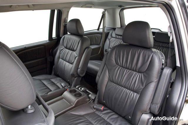 2010 Honda Odyssey Review: Car Reviews