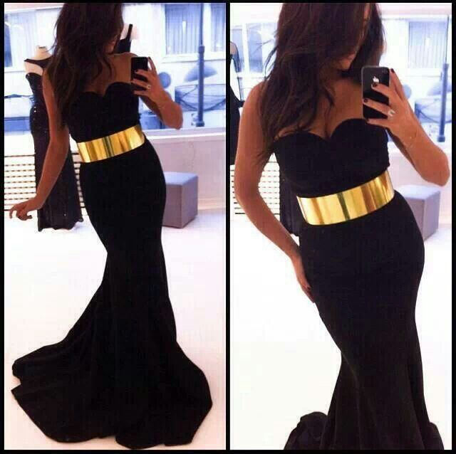 Batman dress! Needs a little more on the top though :)