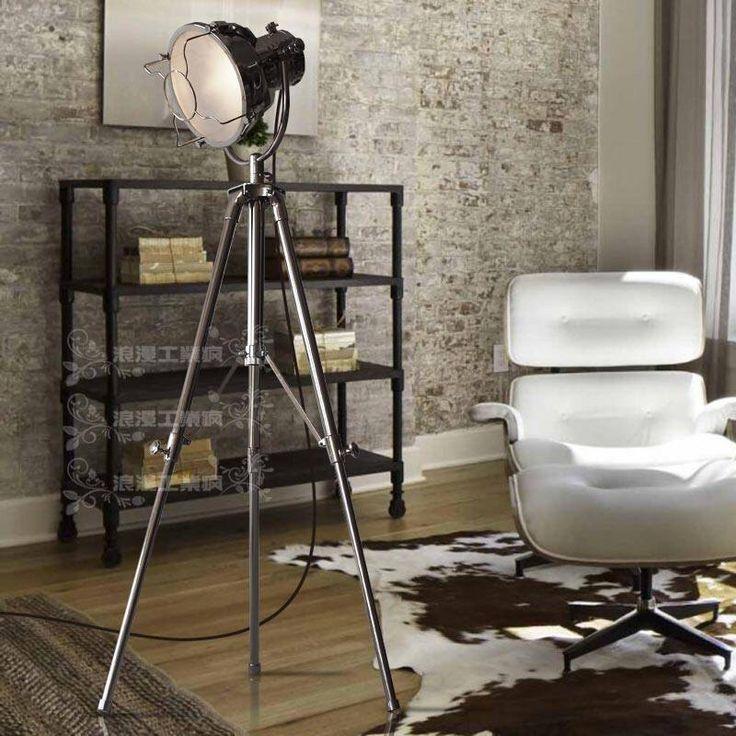 Stoere materialen en kleuren met favoriete stoel in wit leder.