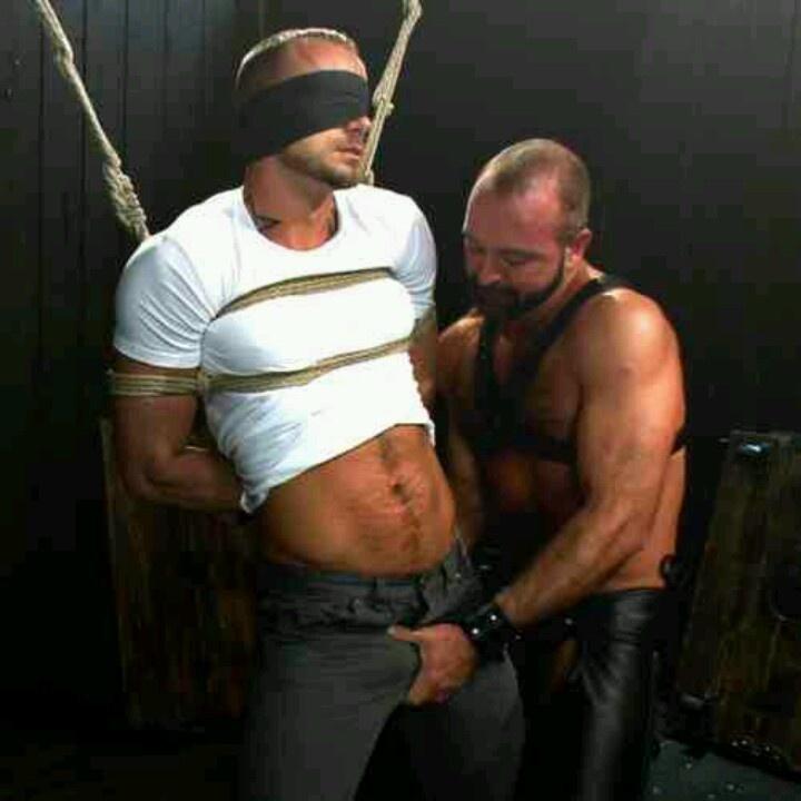Gay Guy Ropes 21