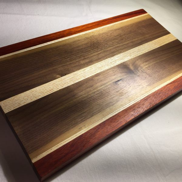 woodporn, wooddesign, interiordesign, furniture, furnituredesign, woodart, woodwork, liveedgewood, liveedge, famegmunkálás, asztalos, bútorasztalos, cuttingboard,