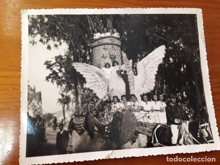 antigua-fotografia-carroza-desfile-fiestas-batalla-flores-vidal-murcia~x117748215