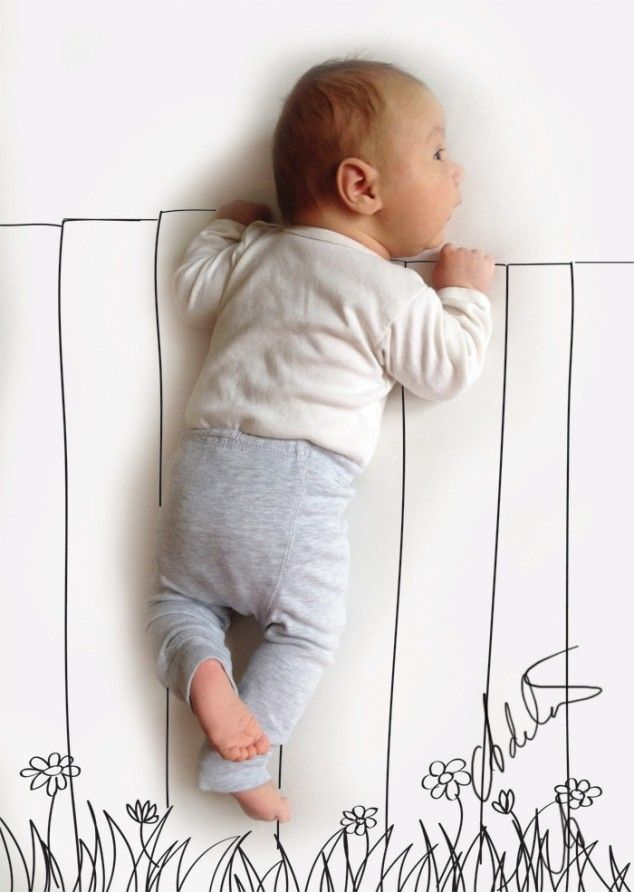 Funny Sweet > Mom turns her infant son's napping positions into awesome activities with a pen < Baby's Activities - 04