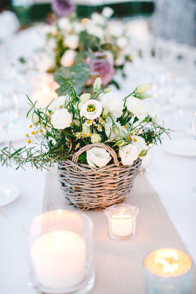 Matrimonio Rustico Centrotavola : Amsicora cestino con fiori centrotavola matrimonio