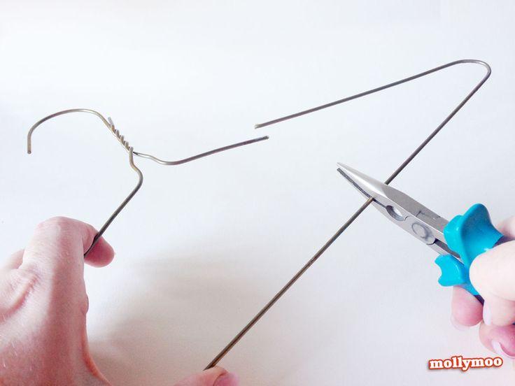 The 25+ best Wire hanger crafts ideas on Pinterest   Wire ...