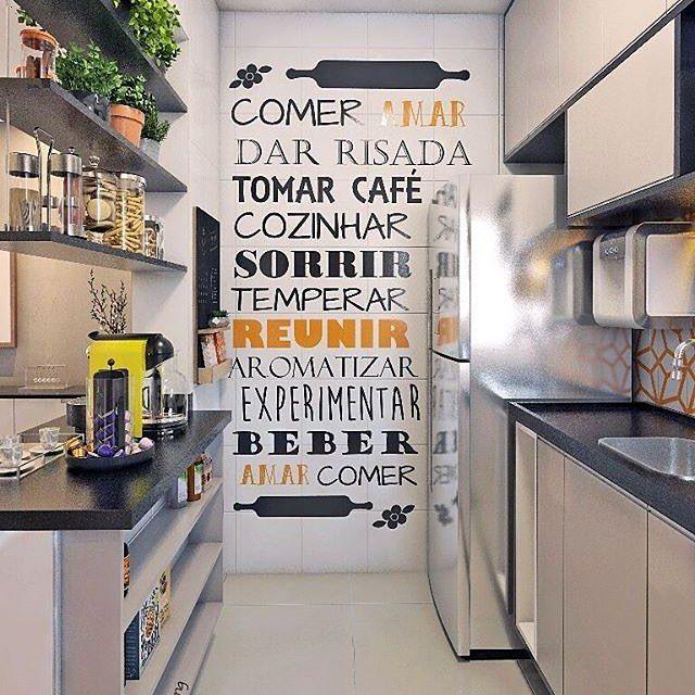 """3,221 curtidas, 56 comentários - Meu novo Apê (@meunovoape) no Instagram: """"Cozinha alegre e moderna Amamos os adesivos de parede no local. Ficou fantástico!…"""""""