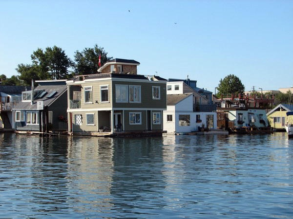 17 Best Images About Houseboats Canada On Pinterest