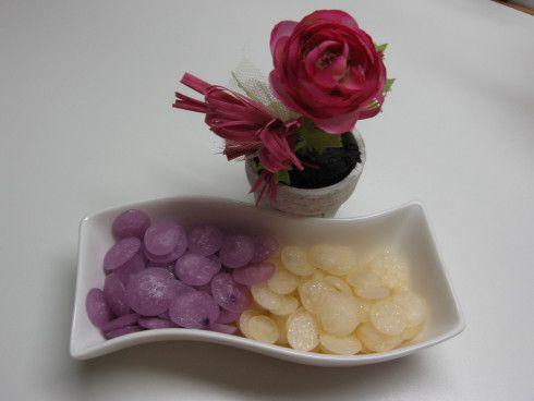 200 gr di zucchero Zefiro Eridania 5 cucchiai di liquore (limoncello, alla frutta, al cioccolato ecc) colorante alimentare sciroppo (in sostituzione di 1 cucchiaio di alcool) Mettere in un p…